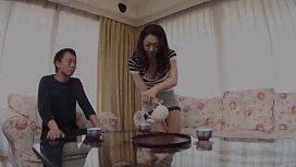 หนังโป๊ญี่ปุ่นแม่บ้านเค้าน่าเอาดีมารดน้ำชาทำงานวันแรก แอบเมียมาล่อซะอย่างงั้นซอยหีคาโซฟาไม่เหลือดิ้นก็ไม่หลุด