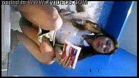 คลิปโป๊แอบถ่ายนักศึกษาหอราม เข้าหอ้งน้ำหญิง เจอซ่อนกล้อง ถ่ายหีตอนฉี่หี ล้างหีอย่างสะอาดthai