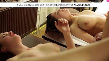 หนังโป้ออนไลน์ สวิงกิ้งโดนหมอนวดเด้า ล่อหีคาเตียงนวด เพราะหีวัยรุ่นมันน่า เบ็ดให้เงี่ยนแล้วจัด Xvideos